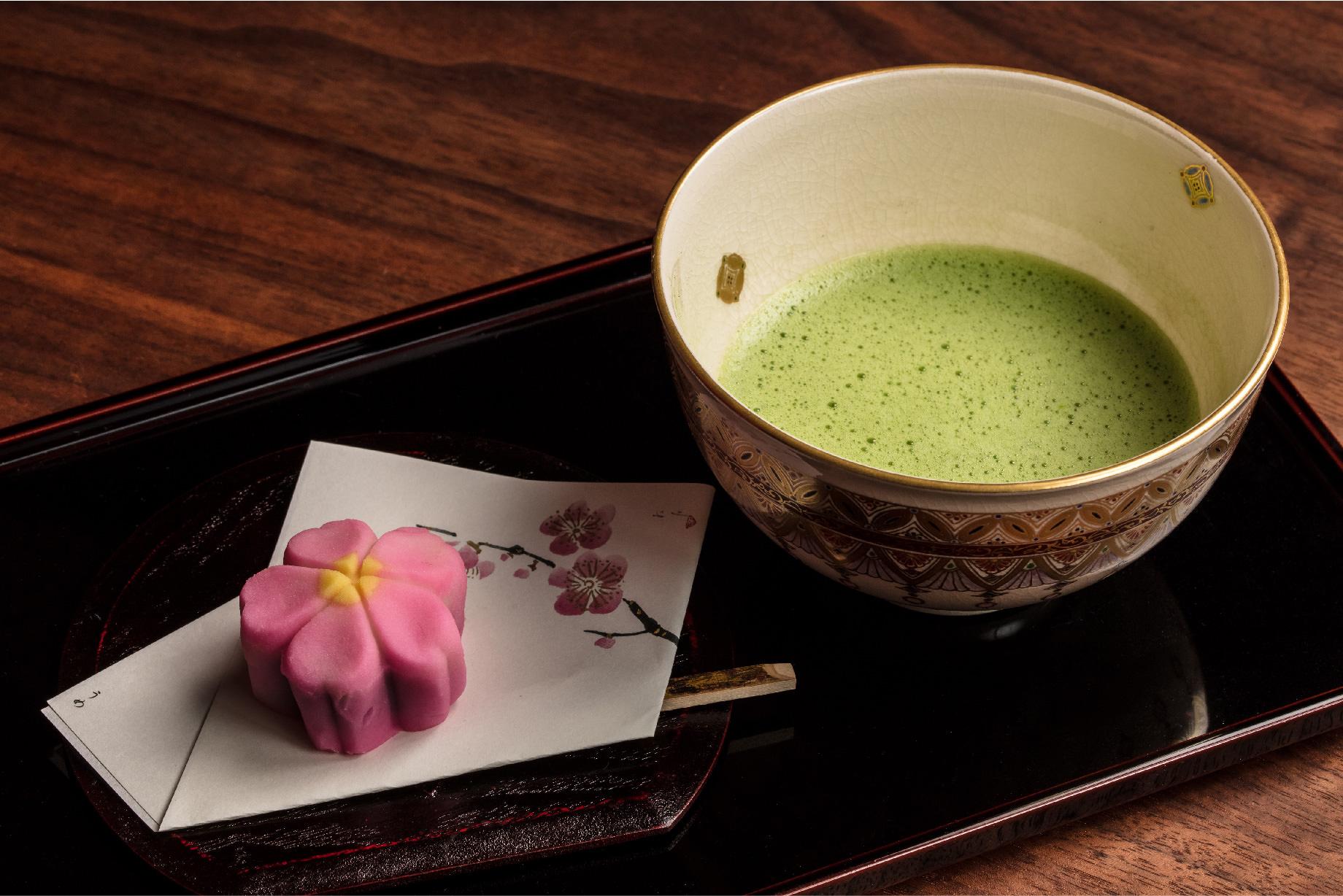 抹茶(季節のお菓子付)